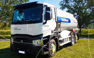 camion de livraison AdBlue Touvet Combustibles